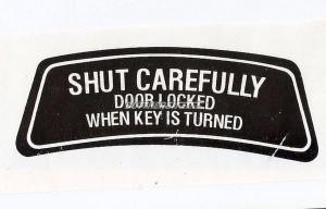 Aufkleber Heckklappe 1800ES/ Shut carefully